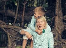 Фотопрогулка с мамой и сыном в Таиланде