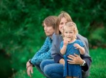 Прогулочная фотосессия семьи