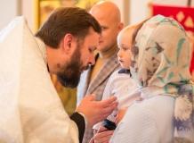 Профессиональная фотосъемка Таинства Крещения в Москве