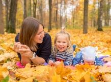Семейная прогулка в парке Петербург