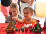 Дети знакомятся с промыслами :)