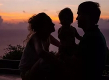Силуэт семьи