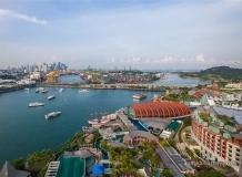 Вид на Сингапур и монорельсу (голубой вагончик)