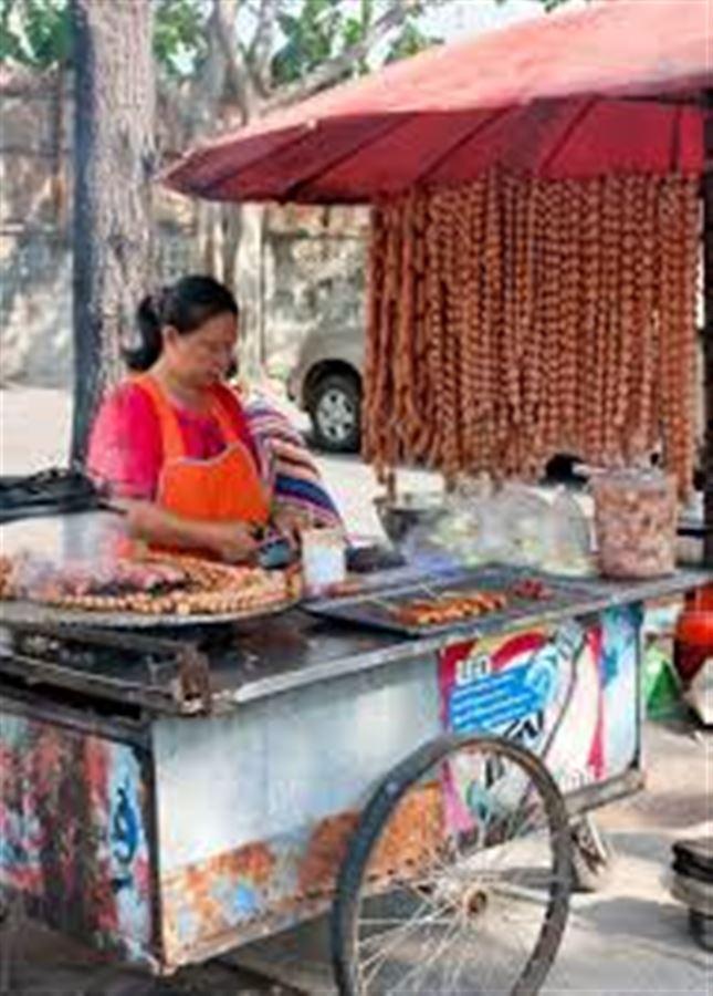 Готовая еда на тайском рынке