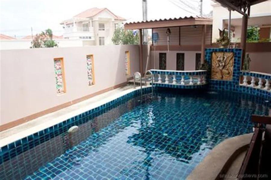 Какой чудесный бассейн...