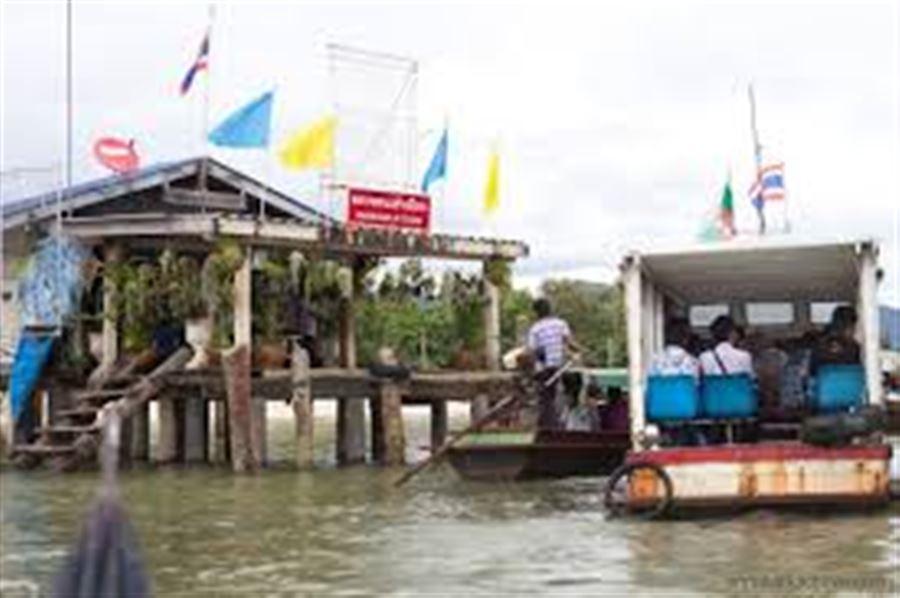 Тайский плавучий иммигрейшн в Ранонге