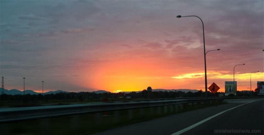 Рассвет на подъезде к Пенангу