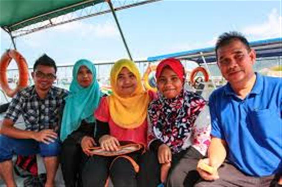 Семья малайцев
