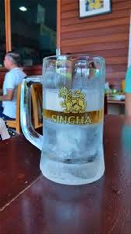 Бокал для пива со встроенным льдом ))