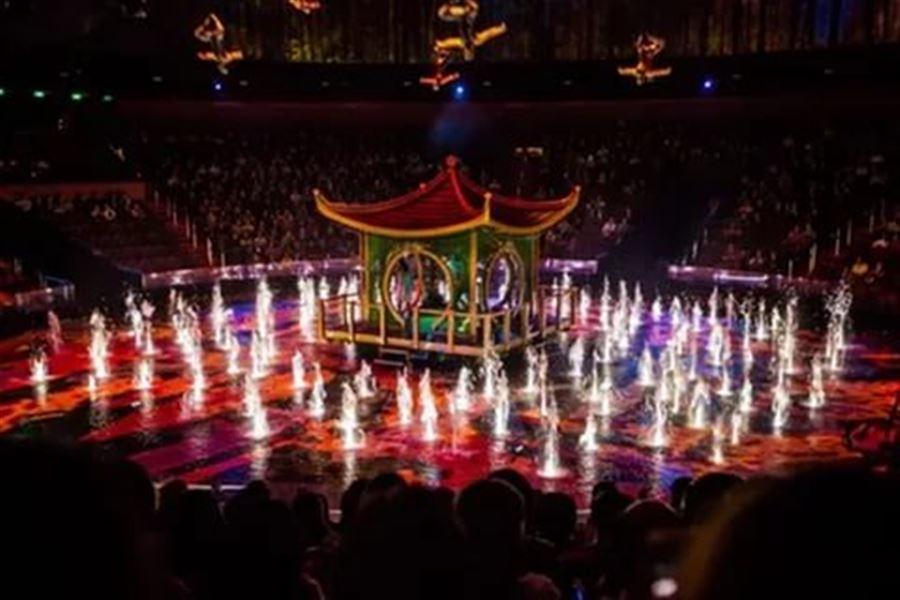 """Шоу """"Дом танцующей воды"""" в Макао"""