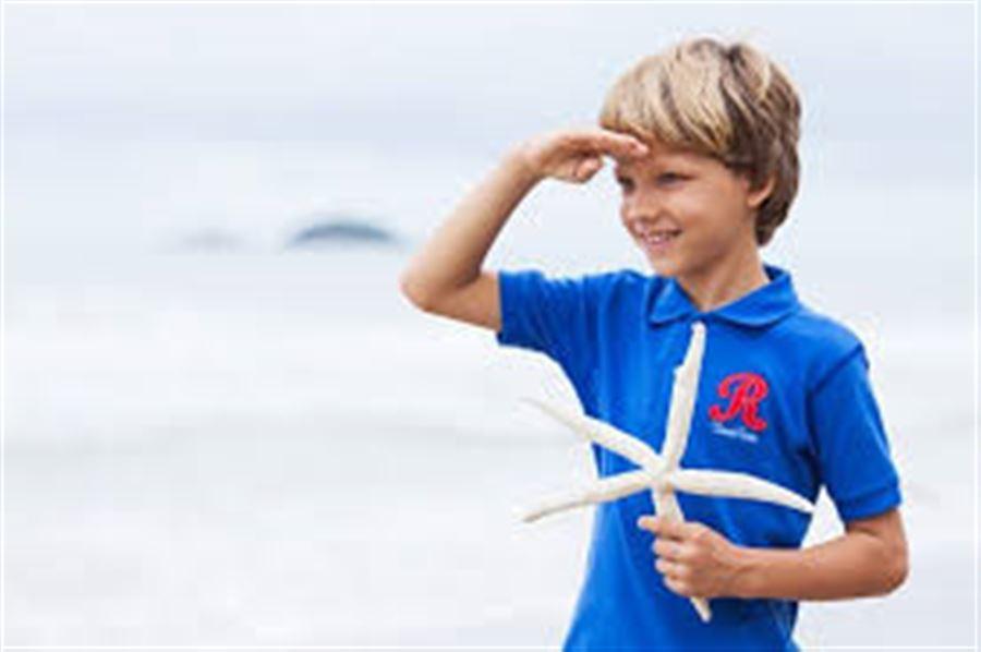 Мальчик с морской звездой