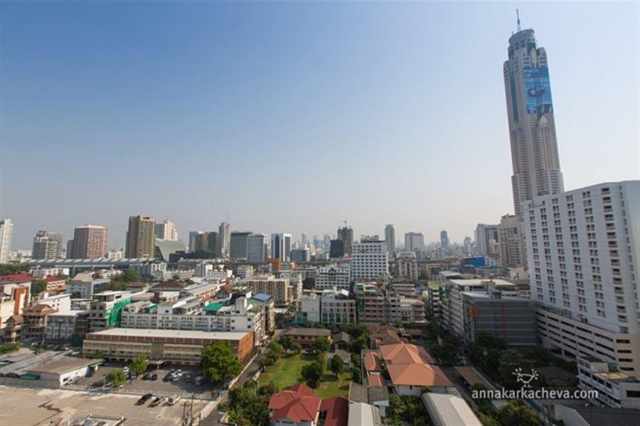 Вид из окна номера 1811 отеля Centre Point Pratunam