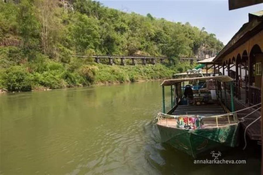 На берегу реки Квай