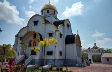 Храм на Пхукете (телефонофото)