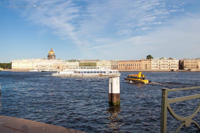 Аквабус речное такси в Петербурге