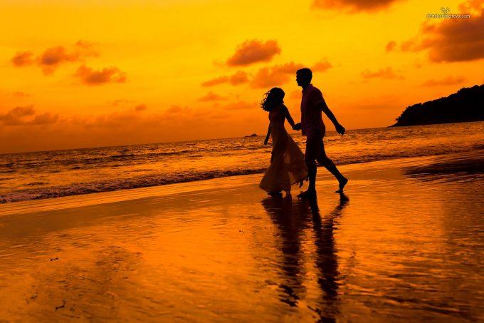 закатная свадебная фотография