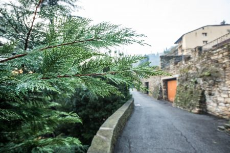 Детали улиц в верхнем городе Бергамо
